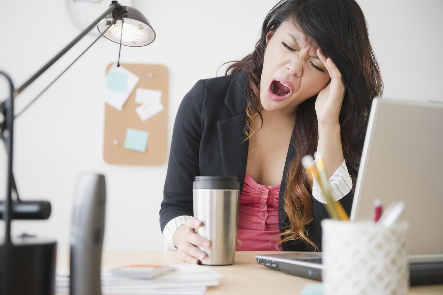 Как побороть сонливость и усталость днём