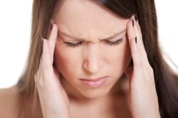 Головная боль - симптом грибковой инфекции в горле