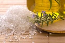 Польза полоскания горла морской солью